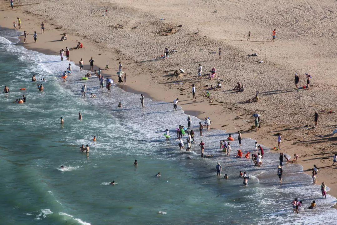 这黄岐后沙海滨浴场也位于连江,不少人从外地特意来此,就为感受这里